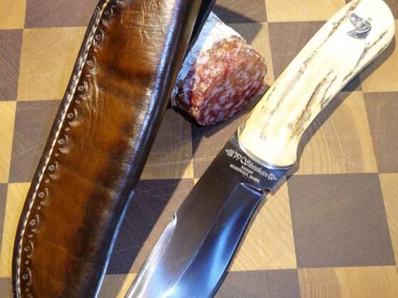 Neugefertigte Lederscheide für mein Jagdmesser
